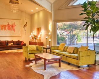 Ashland Hills Hotel & Suites - Ashland - Hành lang