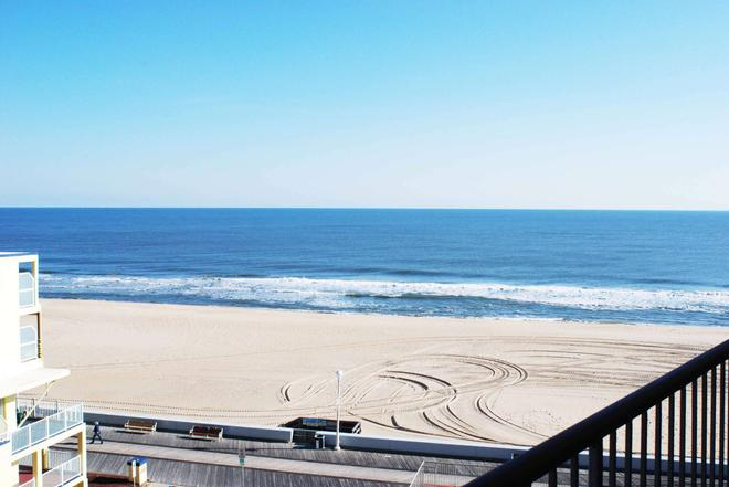 Grand Hotel Ocean City - Ocean City - Beach