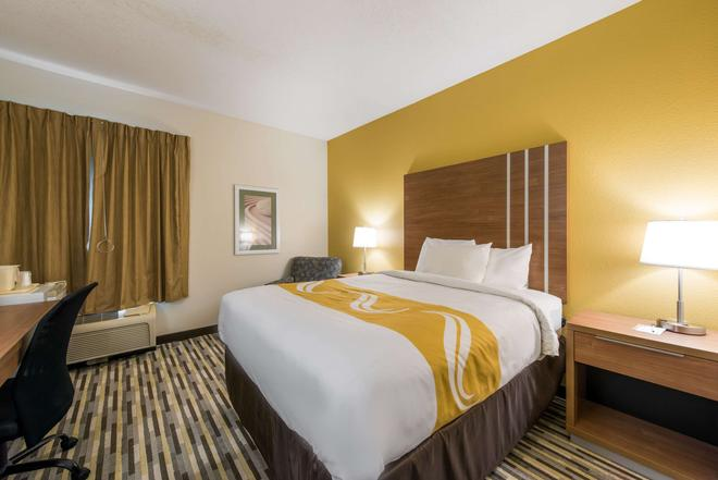 Quality Inn - Michigan City - Bedroom