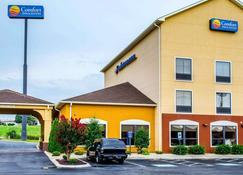 Comfort Inn & Suites - Franklin - Building