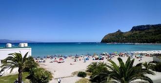 Hotel Nautilus - Cagliari - Beach