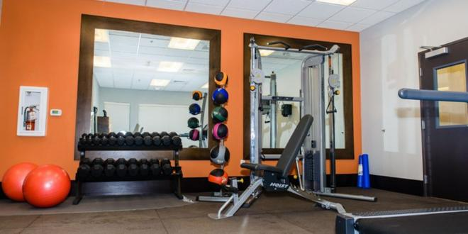Holiday Inn Express & Suites Austin NW - Arboretum Area - Austin - Gym