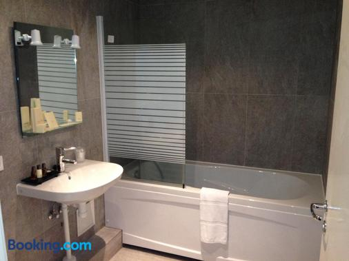 Irin Hotel - Antibes - Bathroom