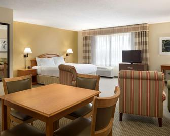 Country Inn & Suites by Radisson, Grinnell, IA - Grinnell - Bedroom