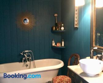 Le Boudoir d'artiste - Semur-en-Auxois - Bathroom