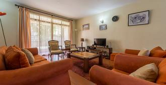 Takdiri Home - Ναϊρόμπι - Τραπεζαρία