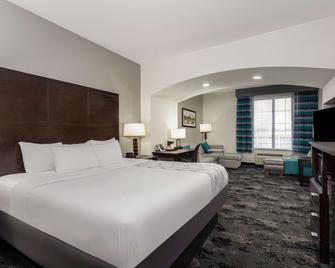 La Quinta Inn & Suites by Wyndham Columbus - Edinburgh - Columbus - Bedroom