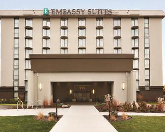 Embassy Suites by Hilton Bloomington/Minneapolis - Bloomington - Building