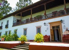 Best Western Plus Posada de Don Vasco - Pátzcuaro - Building