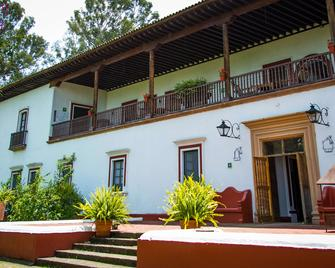 Best Western Plus Posada de Don Vasco - Patzcuaro - Gebäude