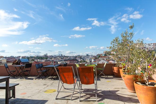This Is Lisbon Hostel - Lisbon - Balcony