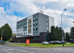 Hotel Krosno-Nafta - Коросно - Будівля