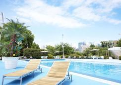 Tokyo Prince Hotel - Tokyo - Pool