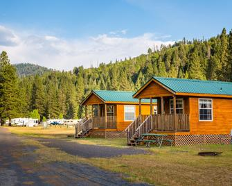 Yosemite Lakes RV Resort - Groveland - Gebouw