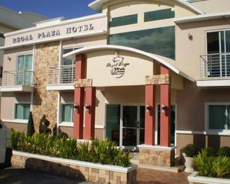 Regal Plaza Hotel - Nabua - Building