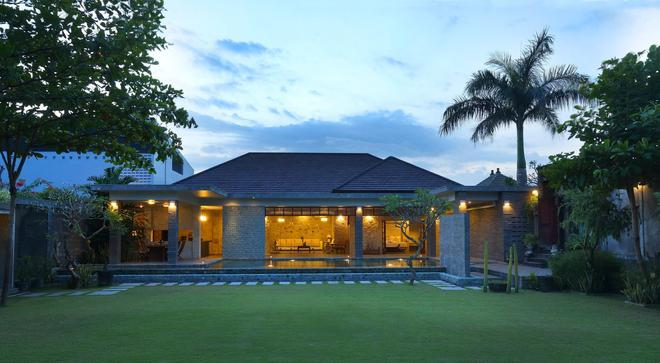 Alindra Villa - South Kuta - Building