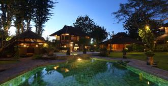 Alindra Villa - South Kuta - Pool