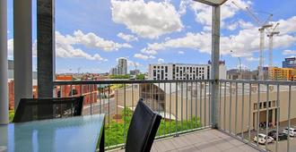 Terrace on Gregory Apartments - Brisbane - Balcony