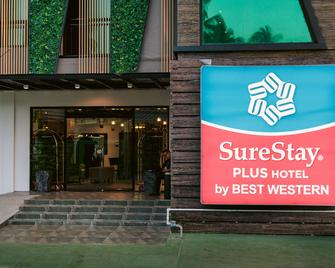 SureStay Plus Hotel by Best Western AC LUXE Angeles City - Angeles City - Building