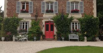 Manoir Des Lions de Tourgéville - Deauville - Edificio