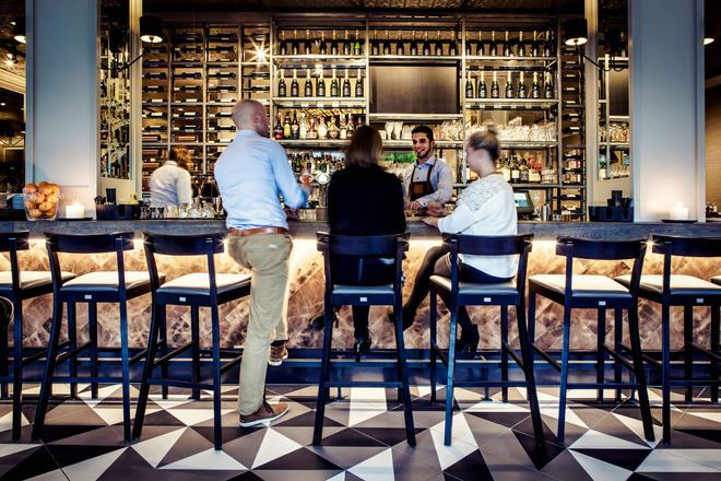 Carlton Square Hotel - Χάαρλεμ - Bar