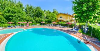 Hotel Riel - Sirmione - Pool