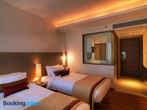 Spree Shivai Hotel - Pune - Bedroom