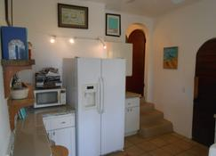Best-Priced 1BR on Stj Perfect Location W/ Ocean View & Pool - Saint John's National Park - Kitchen
