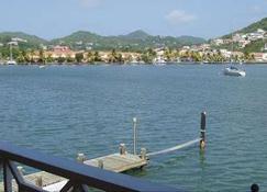 Harmony Marina Suites - Rodney Bay - Buiten zicht