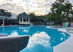 達斯馬V度假酒店 - 薩斯瑪瑞納斯 - 游泳池