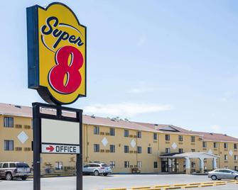 Super 8 by Wyndham Great Falls MT - Great Falls - Building