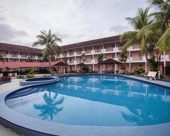 Hotel Seri Malaysia Mersing - Mersing - Басейн