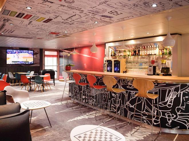 宜必思里昂熱爾蘭路梅里厄酒店 - 里昂 - 里昂 - 酒吧