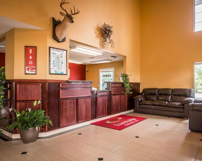 Econo Lodge - Eufaula - Front desk