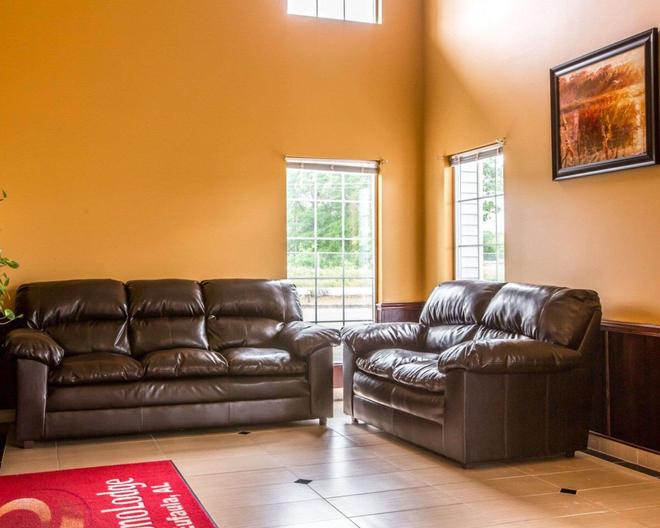 Econo Lodge - Eufaula - Living room