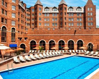 Sheraton Parsippany Hotel - Parsippany - Pool