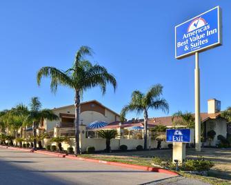 Americas Best Value Inn & Suites-Alvin/Houston - Alvin - Gebouw
