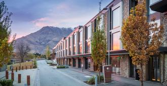 DoubleTree by Hilton Queenstown - Queenstown