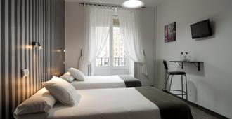 Hostal Gala - Madrid - Bedroom