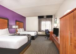 La Quinta Inn & Suites by Wyndham Atlanta Roswell - Roswell - Habitación
