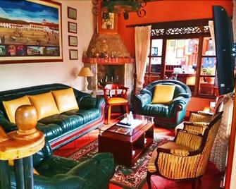 Casa Hotel Villa Cristina - Вилья-де-Леива - Гостиная