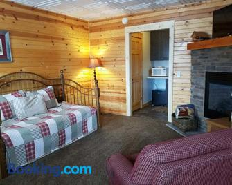 Amish Blessings Cabins - Millersburg - Living room