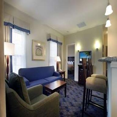 Charwood Suites - Columbus - Living room