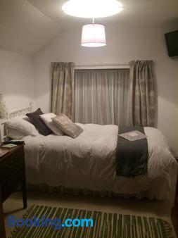 The Elms - Norwich - Bedroom
