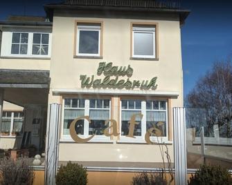 Hotel Restaurant Haus Waldesruh - Kastellaun - Building