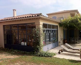 Magnificent villa with pool in the scrubland - Castillon-du-Gard