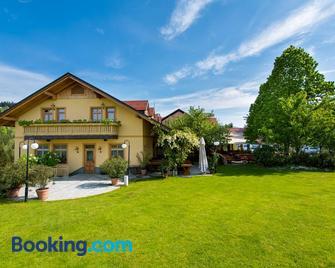 Guesthouse Smogavc - Zrece - Building