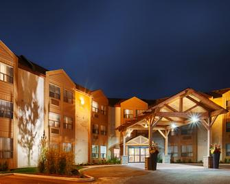 Best Western Plus Rose City Suites - Welland - Building