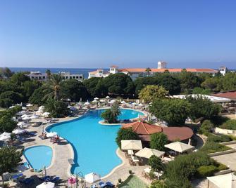 Avanti Hotel - Paphos - Pool