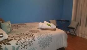 Oyo Bed & Breakfast - Brooklyn - Bedroom